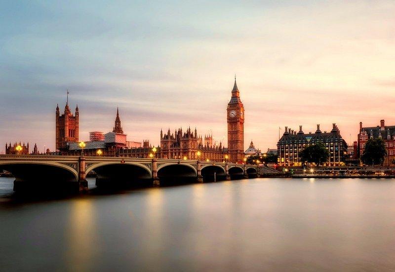 Przekazy pieniężne z Anglii do Polski