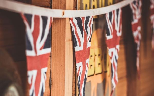 Przelewy z UK – Korzystna Oferta!